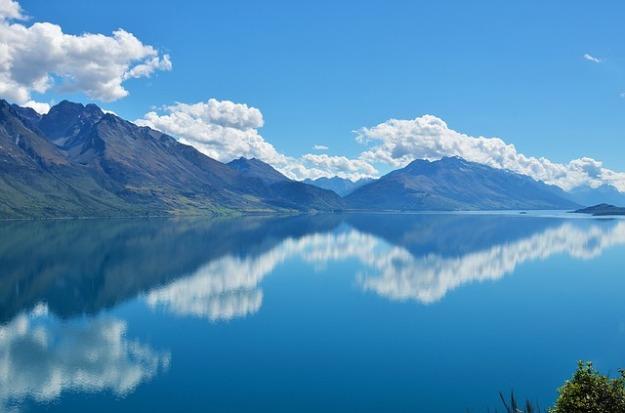 lake-679018_640.jpg
